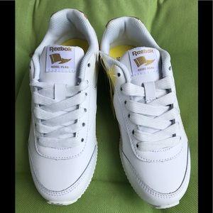 NWB Reebok Classic Kids Size 1 White/Gold